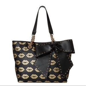 Betsey Johnson bow tote bag